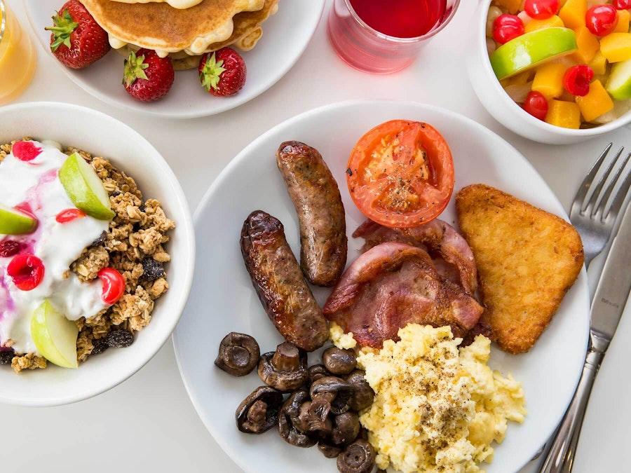 <p>Breakfast</p>